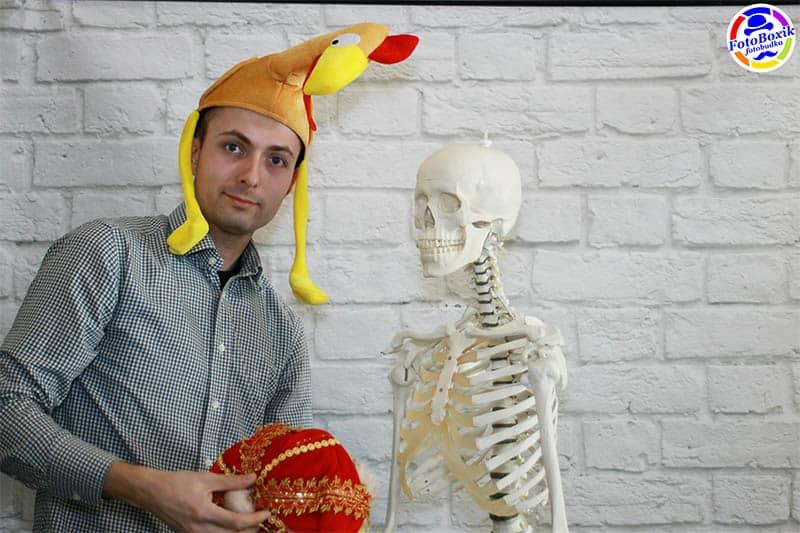 Fotobudka ze szkieletem podczas dni otwartych UM Wroc